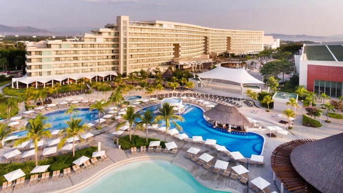 Paquetes Vacacionales a Resort Mundo Imperial Acapulco