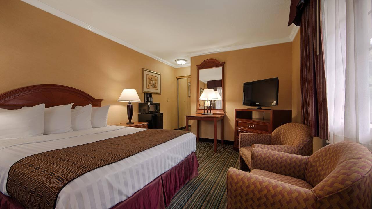 habitación del Best Western Hollywood Plaza Inn - mejores paquetes vacacionales a Los Ángeles