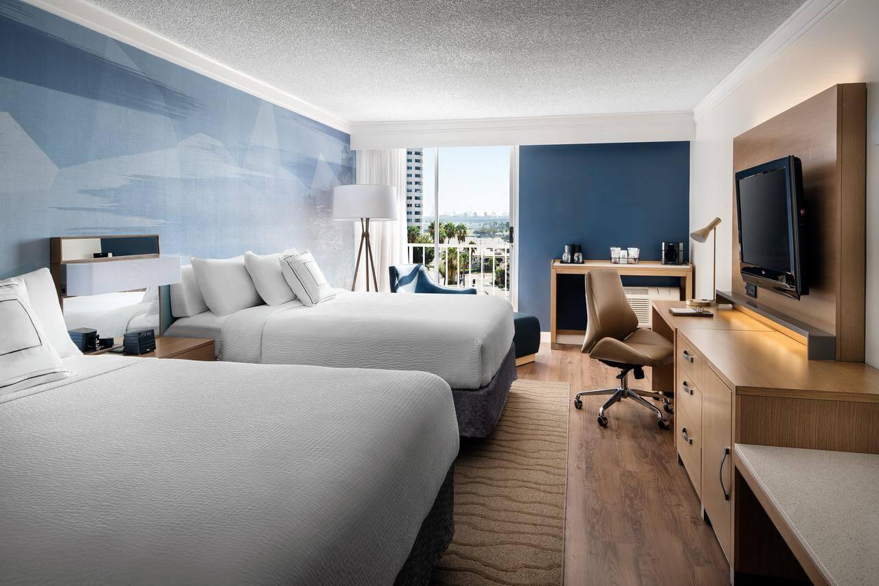 habitación del Courtyard by Marriott Long Beach Downtown - mejores paquetes vacacionales a Los Ángeles
