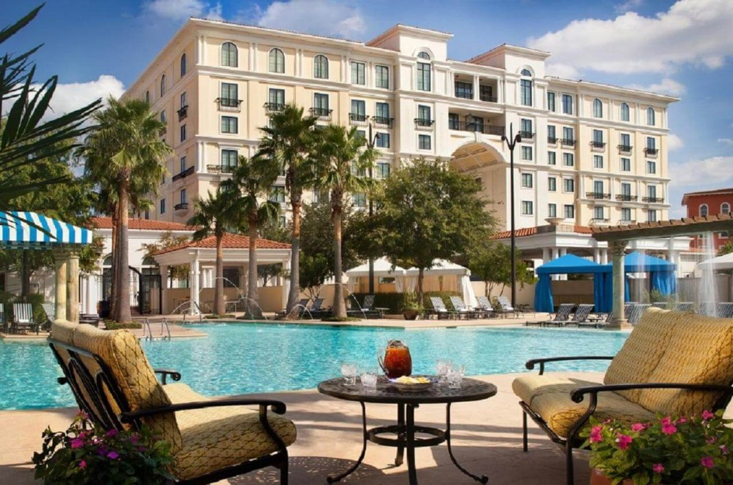 Vista panorámica de la piscina del Eilan Hotel & Spa, Autograph Collection - mejores paquetes vacacionales a San Antonio