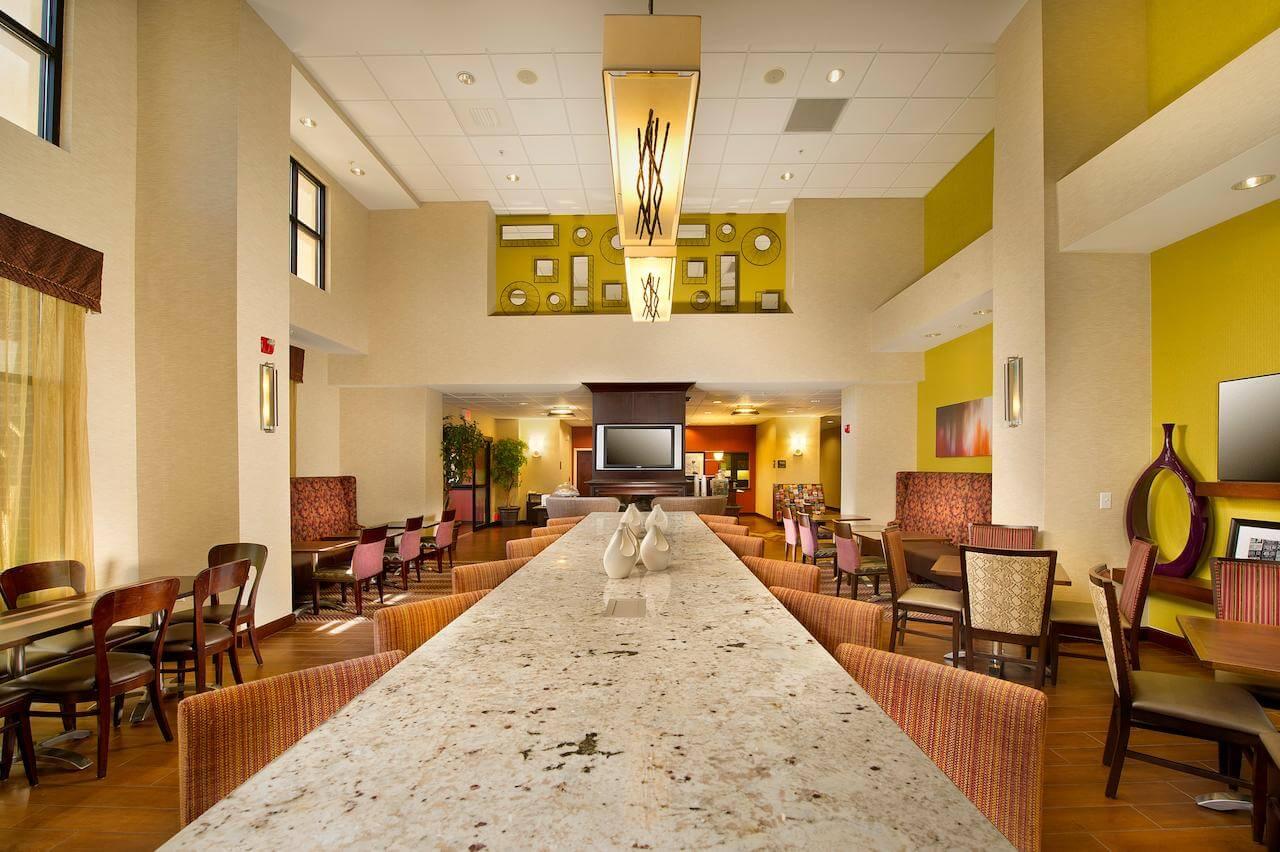 Centro de negocios de Hampton Inn & Suites San Antonio Airport - mejores paquetes vacacionales a San Antonio
