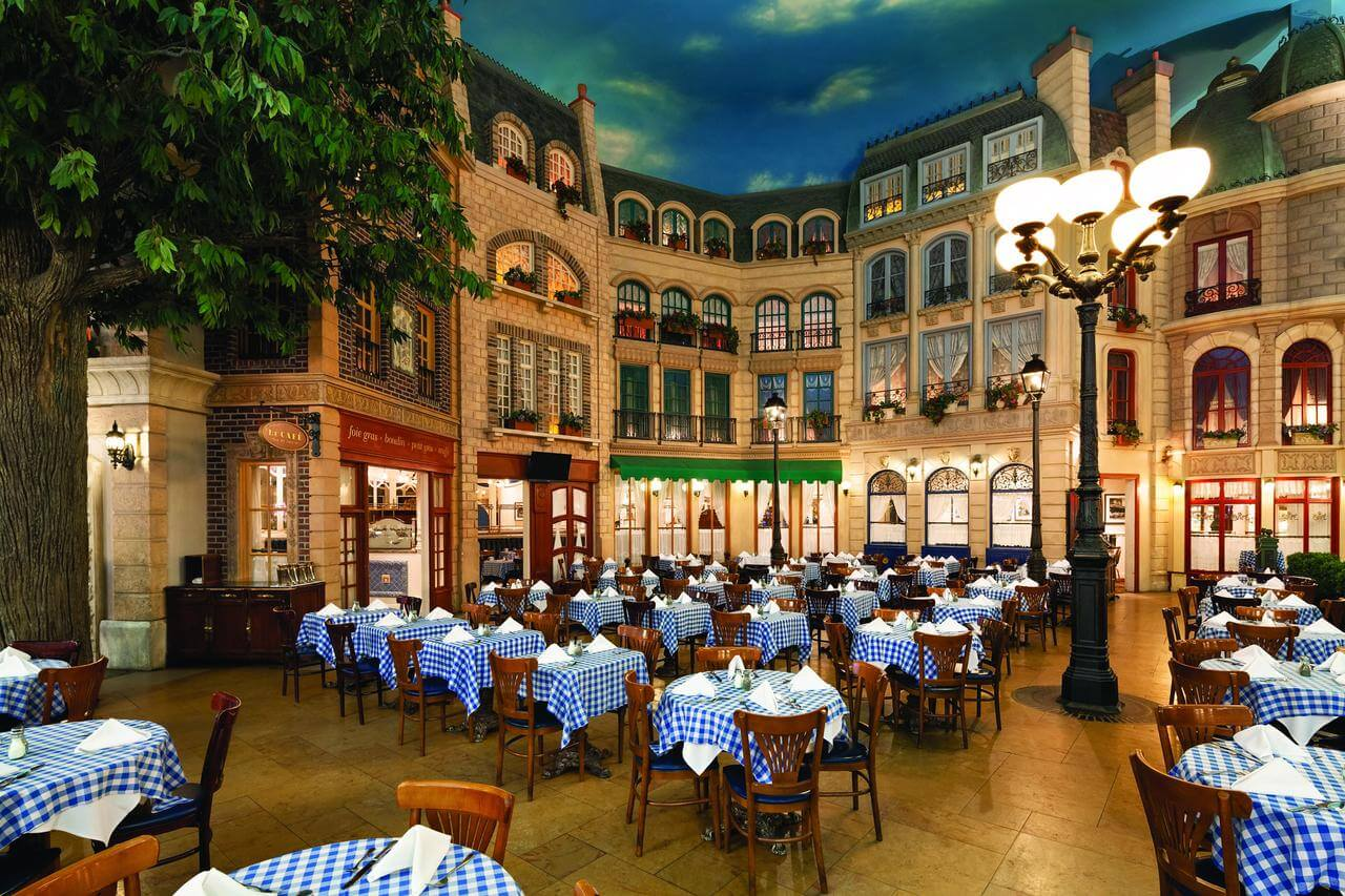 restaurante del hotel Paris Las Vegas - mejores paquetes vacacionales a Las Vegas