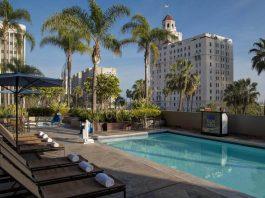 piscina del Renaissance Long Beach Hotel - mejores paquetes vacacionales a Los Ángeles