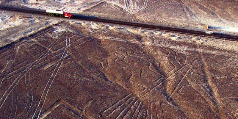 Vista aérea de las Lineas de Nazca - mejores paquetes vacacionales a Perú