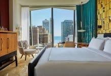 habitación con vista panorámica del hotel Viceroy Chicago - mejores paquetes vacacionales a Chicago