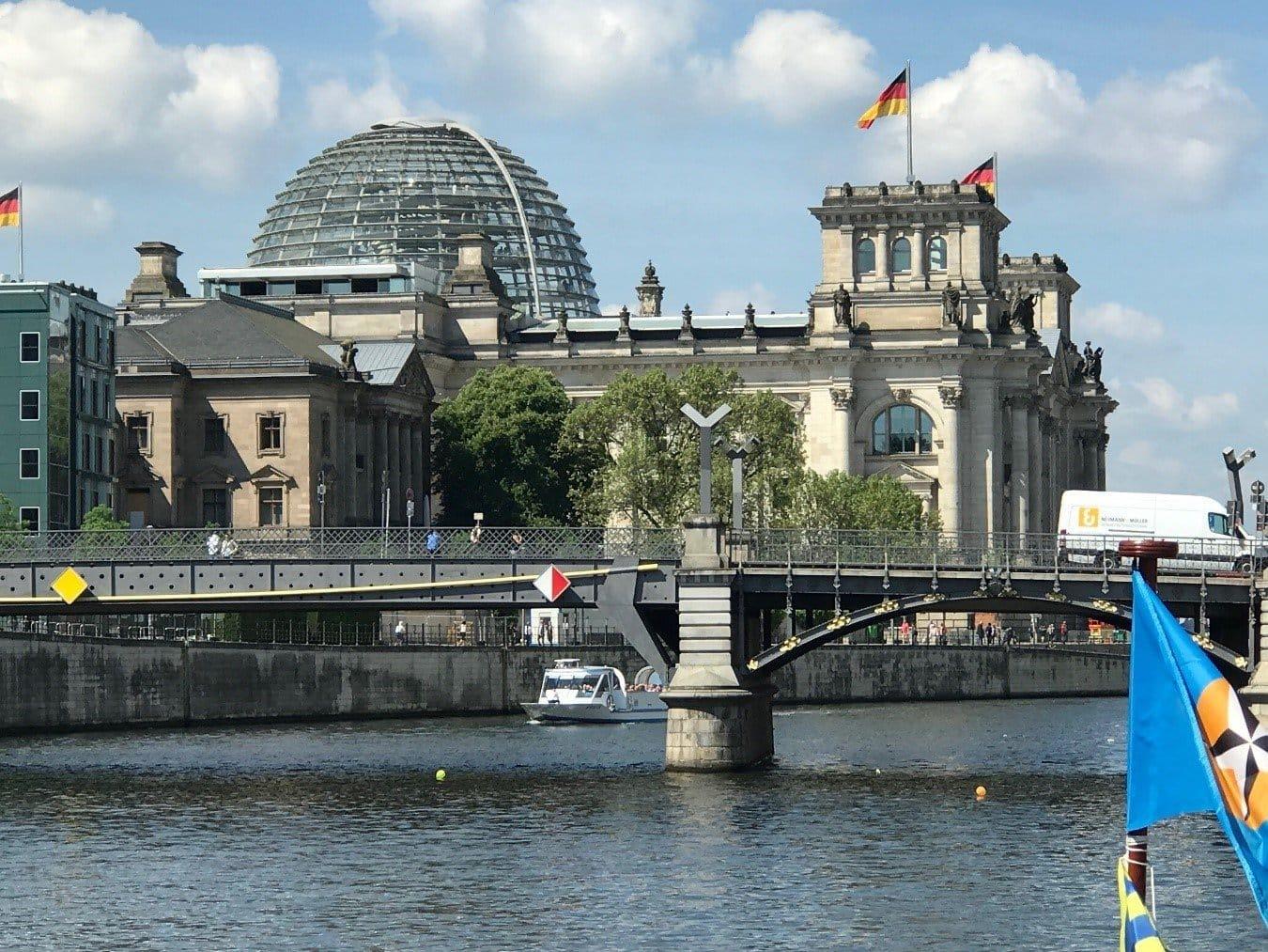 derriben-el-muro-de-su-comodidad-y-visiten-berlin