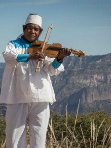 Instrumentos de madera tarahumaras